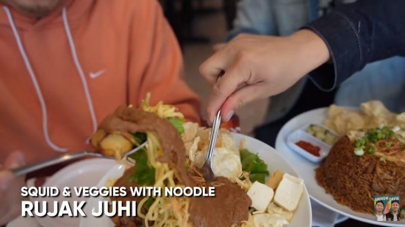 Jatuh Cinta pada Makanan Indonesia, YouTuber Ini Ketagihan!