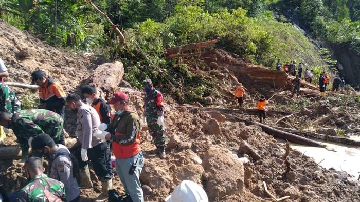 Longsor di Tapanuli Selatan, Sumatera Utara (dok. SAR)