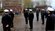 Potret AL Jerman Gelar Upacara Penghormatan Awak KRI Nanggala-402