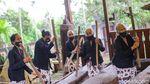 Sore-sore Sruput Kopi di Sanggar Genjah Arum Desa Adat Osing