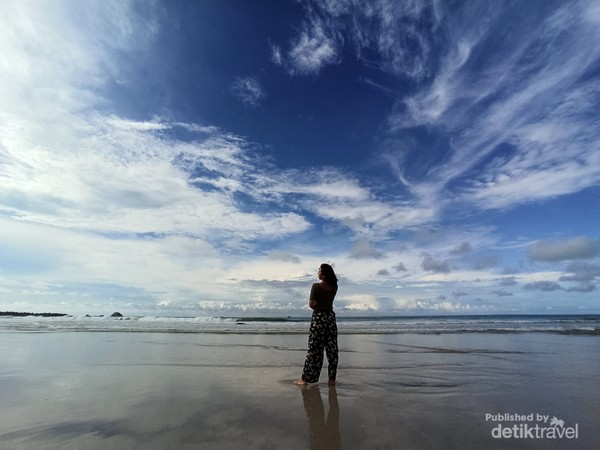 Pertemuan antara langit dan laut