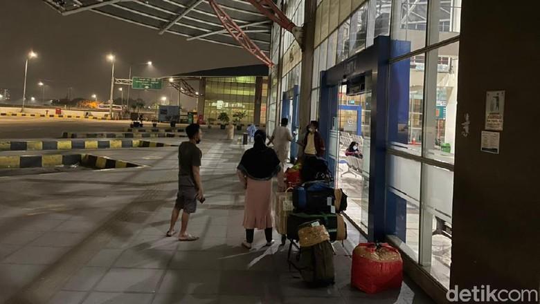 Pantauan arus mudik ke Terminal Mangkang Semarang