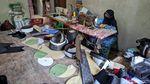 Perjuangan Perajin Peci Bertahan di Tengah Pandemi