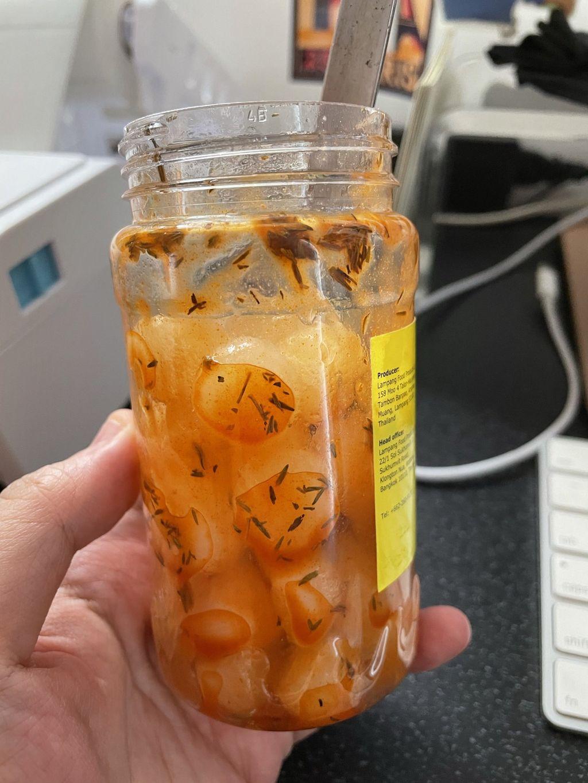 pickle bawang putih pedas jadi tren di TikTok.