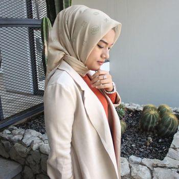 Tina Dwi Nuryanti pemilik brand hijab Rahina Indonesia.
