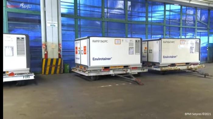 Vaksin Sinovac dan Sinopharm tiba di Indonesia (Youtube Setpres)