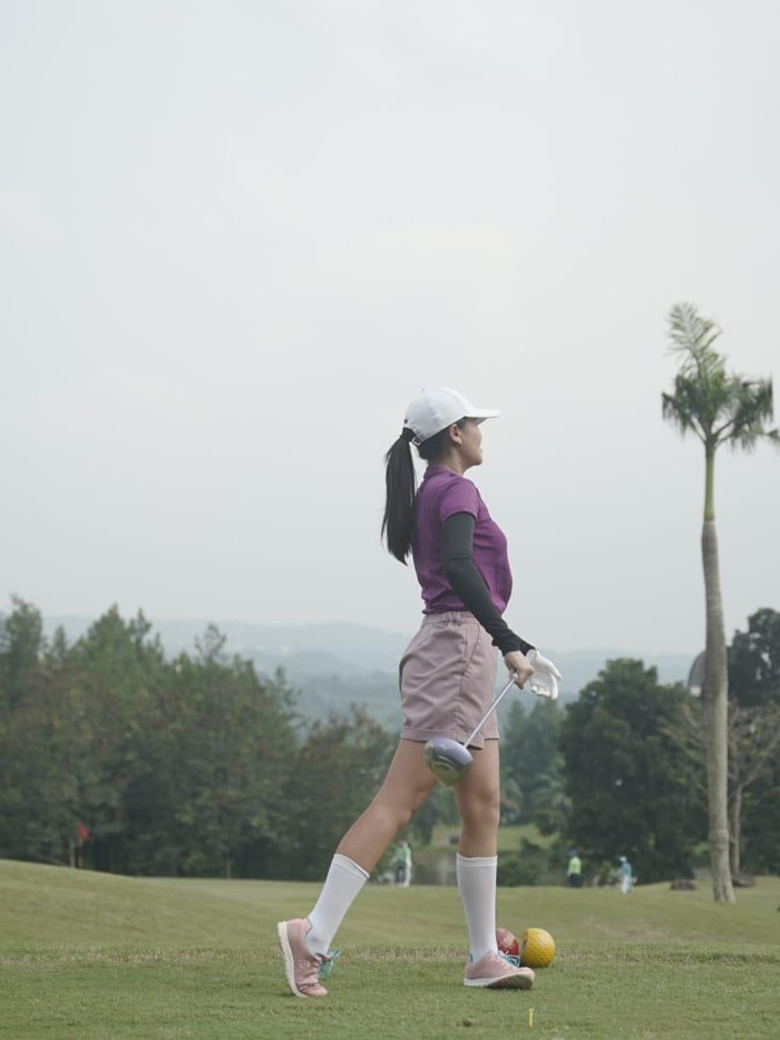 Aaliyah Massaid main golf