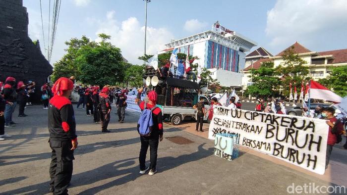 Demi Hari Buruh di Semarang, Sabtu (1/5/2021).