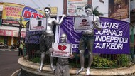 Manusia Silver di Tulungagung Suarakan Tuntutan Buruh di May Day