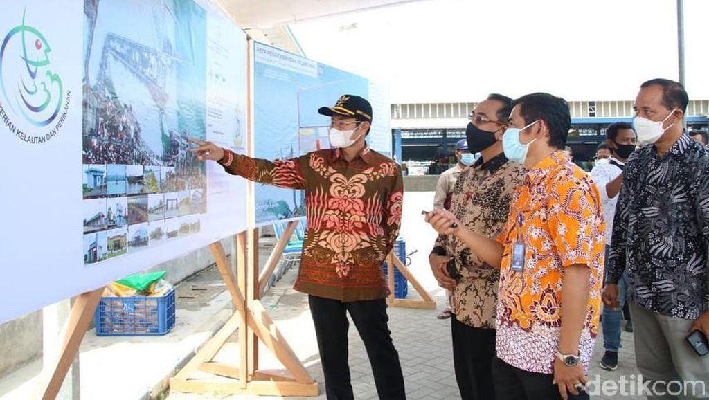 Menteri Trenggono Dorong Pengembangan Pelabuhan Ikan Brondong Lamongan