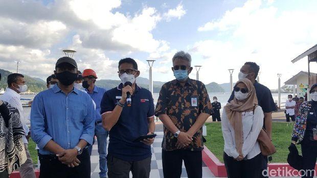 Sandiaga Uno melakukan kunjungan kerja ke Aceh. Dia pun datang ke Titik 0 dan keliling untuk melihat potensi wisata Sabang.