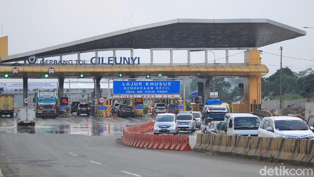 120 Pengendara Di-swab di Exit Tol Cileunyi-Soroja, 3 Orang Reaktif