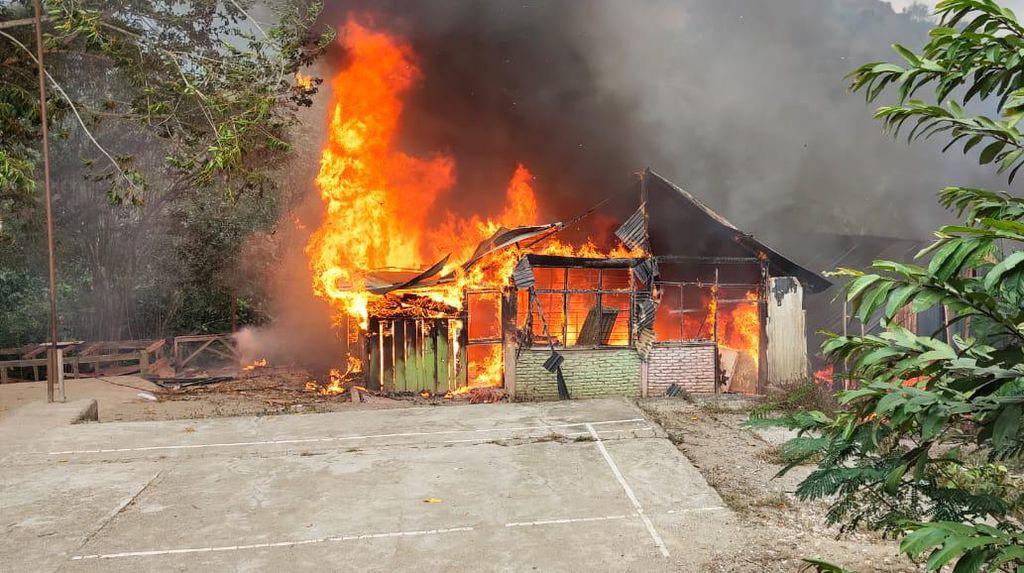 Ponpes di Enrekang Kebakaran, Asrama Putri-Rumah Hangus Terbakar