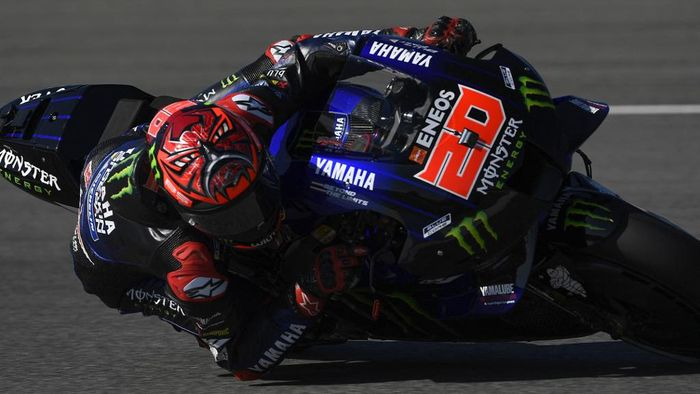 Monster Energy Yamaha MotoGPs French rider Fabio Quartararo takes a curve rides during the MotoGP third practice session of the Spanish Grand Prix at the Jerez Circuit in Jerez de la Frontera on May 1, 2021. (Photo by PIERRE-PHILIPPE MARCOU / AFP)