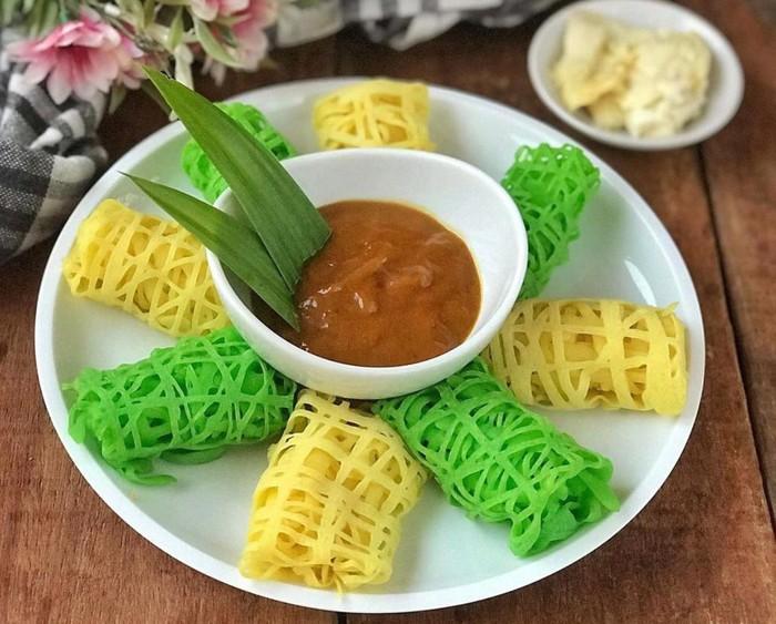 Roti Jala Kuah Durian