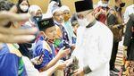 Zulkifli Hasan Santuni Anak-anak Difabel Dhuafa