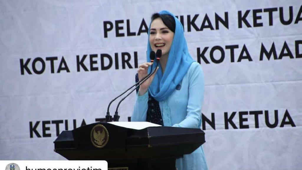 Arumi Bachsin Jadi Istri Pejabat: Jangan Suka Menuntut Suami