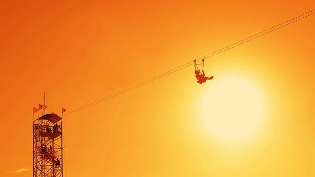 Flying fox di Geopark Ciletuh.