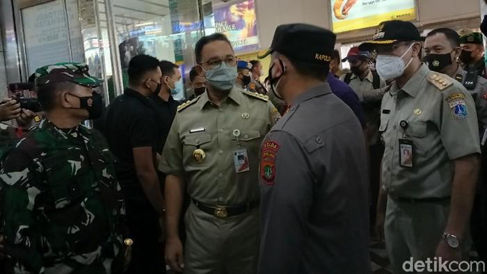 Gubernur DKI Jakarta Anies Baswedan meninjau langsung Pasar Tanah Abang.