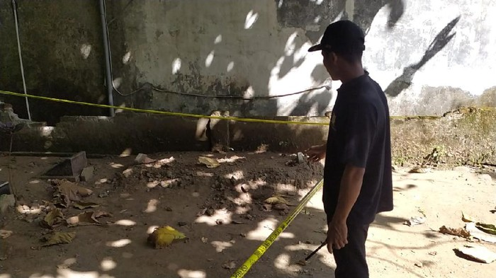 lokasi penemuan janin di Makam Islam Tuwiri