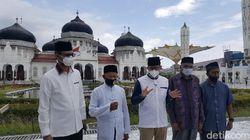 Sandiaga Uno Kunjungi Masjid Ikonik Banda Aceh