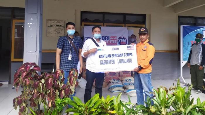 Sebagai salah satu wilayah yang terkena dampak parah, BRI menyalurkan bantuan pascagempa bagi masyarakat di wilayah Lumajang.