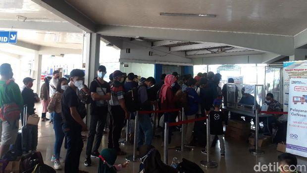 Tes COVID-19 di Pelabuhan Merak, Banten