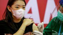 Antusias Pedagang Thamrin City Ikuti Vaksinasi COVID-19