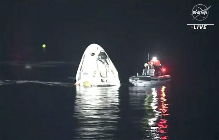 Astronaut NASA kembali dengan kapsul SpaceX