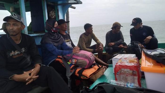 Balai Pelestarian Cagar Budaya (BPCB) Jatim menghentikan sementara eksplorasi bangkai Kapal van der Wijck. Sebab, cuaca dinilai kurang bersahabat.