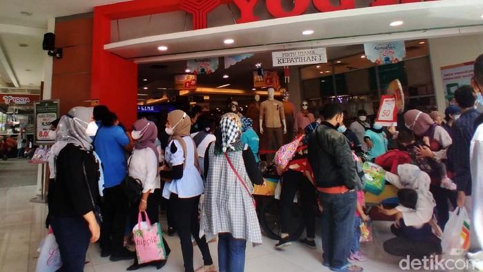 Jelang Lebaran, Pasar di Berbagai Daerah Ini Diserbu Pengunjung