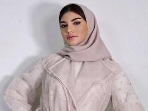 Jihane Almira Chedid Pangling Pakai Hijab ala Wanita Lebanon, Ini Kata MUA