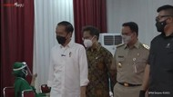 Jokowi Pantau Vaksinasi Pedagang di Thamrin City Bareng Anies-Menkes