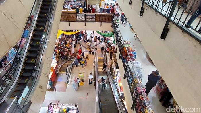 Kondisi Pasar Baru Bandung.