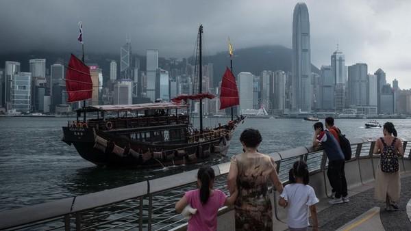 Hong Kong. Hong Kong melarang penerbangan dari India sejak 20 April selama 14 hari. Chris McGrath/Getty Images