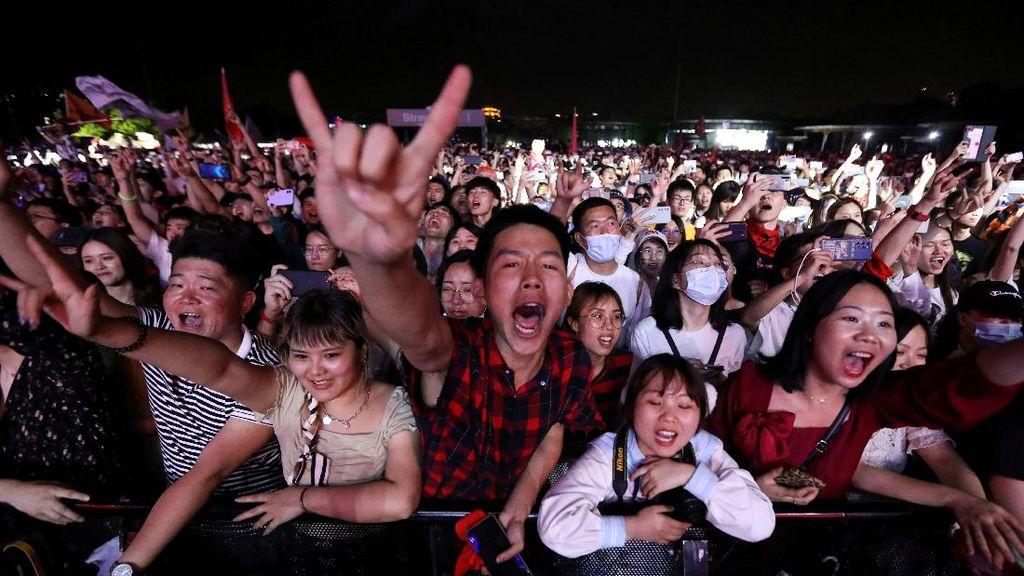 Netizen Singgung Wuhan yang Sudah Bisa Gelar Konser Ribuan Penonton