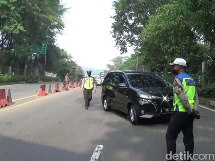 Polisi dan Dishub fokus penyekatan pemudik di 3 gerbang tol Purwakarta
