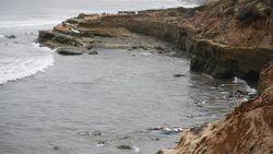 Kapal Tenggelam di California, 3 Orang Tewas- Puluhan Luka