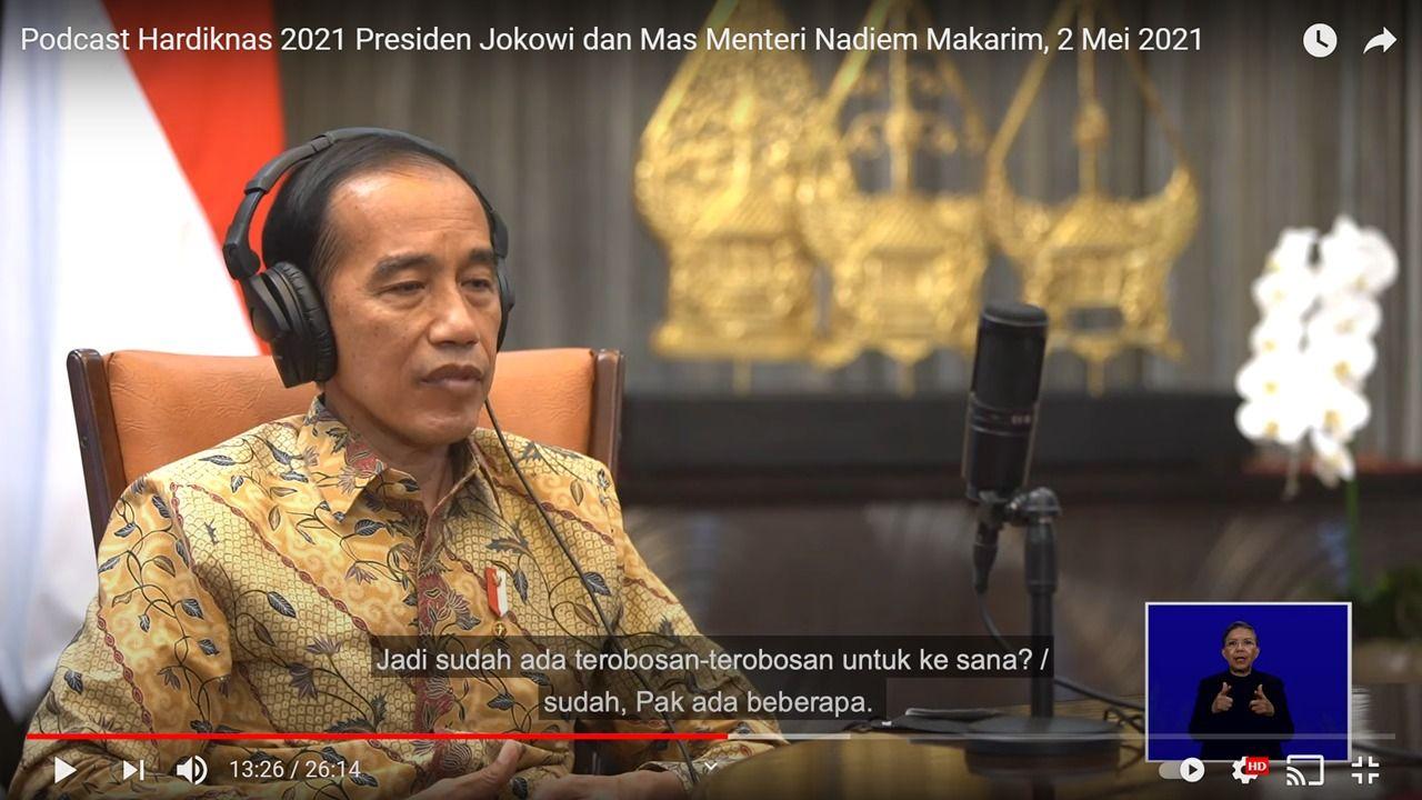 Screenshot podcast Jokowi bersama Nadiem Makarim
