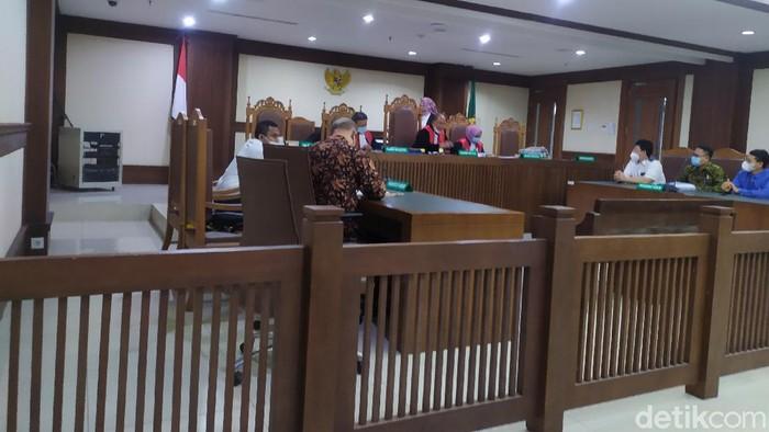 Sidang gugatan mantan Ketua DPC Partai Demokrat (PD) Halmahera Utara (Halut).