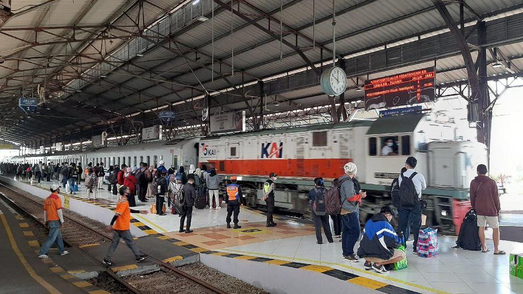 Cek! Syarat Naik Kereta Jarak Jauh Selama Larangan Mudik