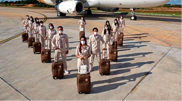 Super Air Jet resmi mendarat di Indonesia. Maskapai yang didirikan pada Maret 2021 ini, telah memiliki kode penerbangan IU dari IATA (Asosiasi Pengangkutan Udara Internasional) dan SJV dari ICAO (Organisasi Penerbangan Sipil Internasional).