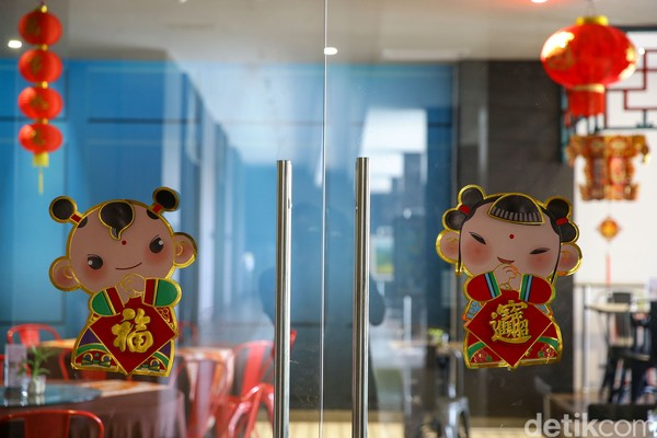 ide Royal Jade Chinese Restourant dibuat langsung oleh istri dari pemilik hotel yang masih berdarah Tiongkok.
