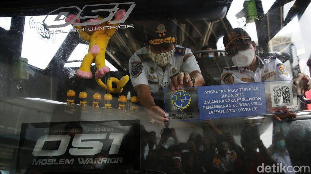 Stiker Khusus Bus buat Angkut Penumpang saat Larangan Mudik Tak Bisa Dipalsukan