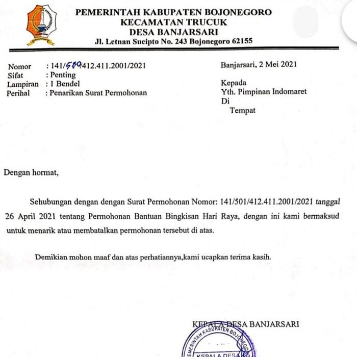 Surat permintaan bingkisan Lebaran (THR)yang ditandatangani Kades Banjarsari, Fatkhul Huda beredar luas. Mengenai surat tersebut, ia sudah ditegur Camat Trucuk.