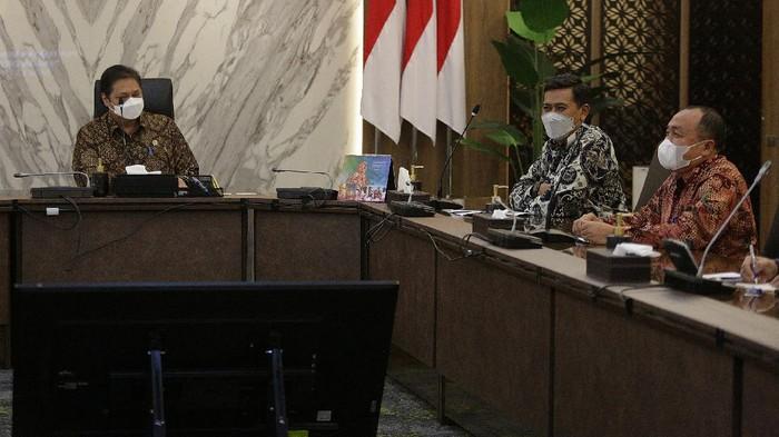 Kemenko bidang Perekonomian telah mendaftarkan Pegawai Pemerintah Non Pegawai Negeri (PPNPN) untuk mendapatkan BP Jamsostek.