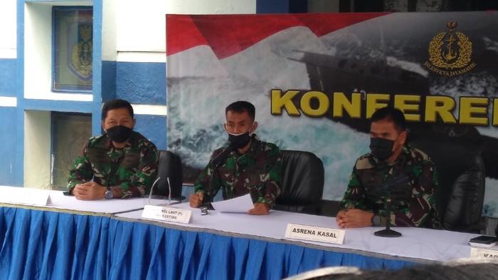 Kolonel Laut Iwa Kartiwa (tengah)-Adhyasta/detikcom