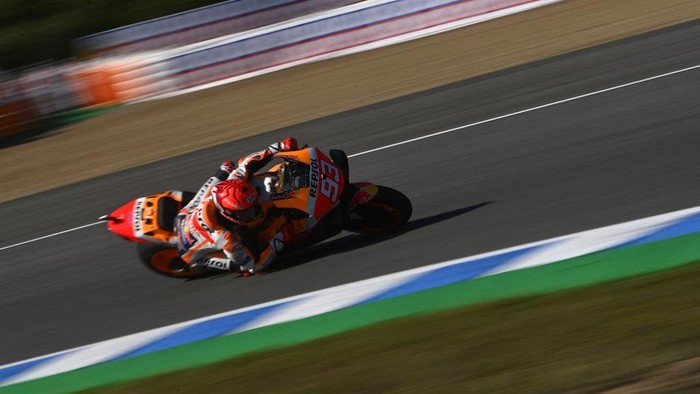 Repsol Honda Teams Spanish rider Marc Marquez rides during the MotoGP third practice session of the Spanish Grand Prix at the Jerez Circuit in Jerez de la Frontera on May 1, 2021. (Photo by PIERRE-PHILIPPE MARCOU / AFP)