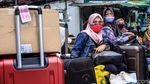 Pemudik Juga Padati Terminal Poris Tangerang