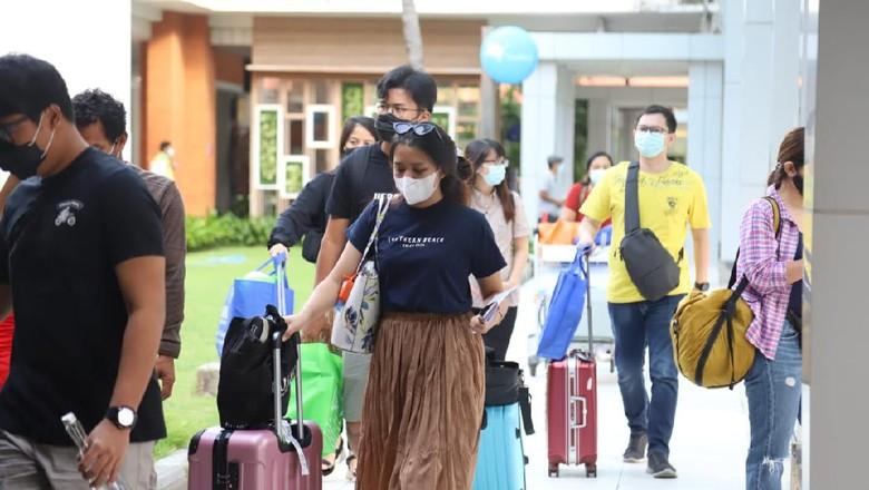 Ilustrasi penumpang di Bandara Ngurah Rai